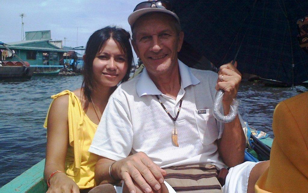 La valise d'une femme pour un voyage au Cambodge