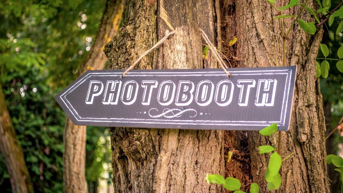 Les accessoires utilisés lors d'un photobooth pour mariage